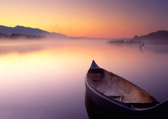 boat-on-calm-water